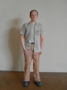 Dollshouse-Miniature-RESIN-DOLL-YOUNG-MAN