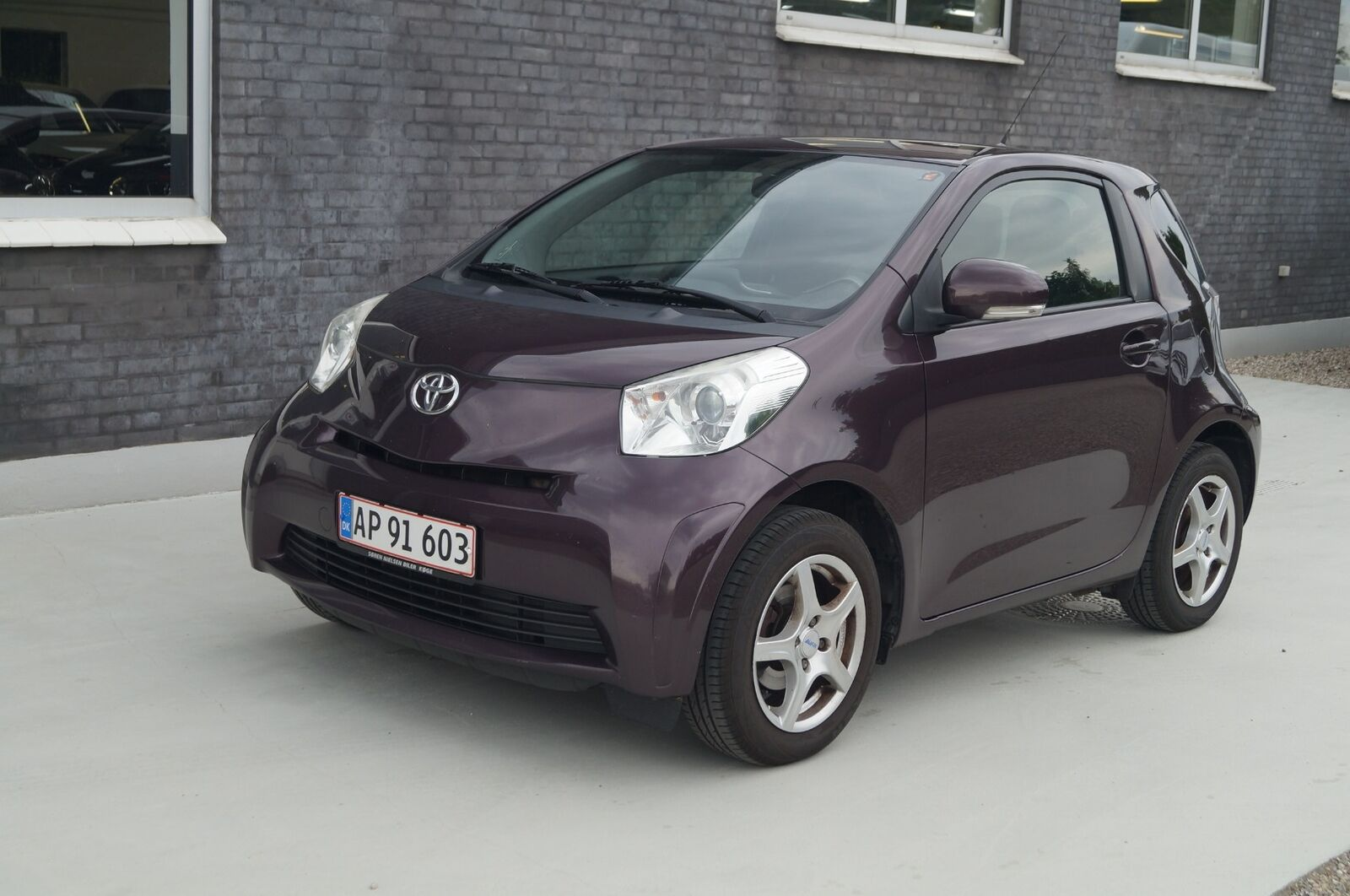 Toyota iQ 1,0 VVT-i Q1 3d - 32.999 kr.