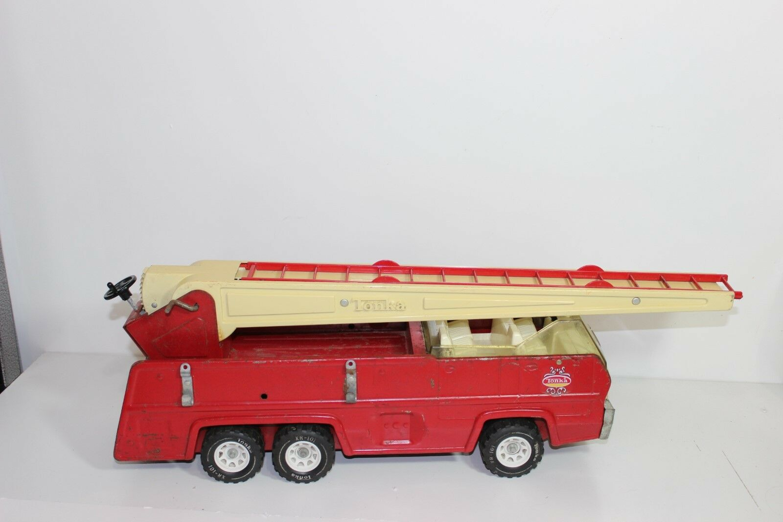 Jahr TONKA 25  Aerial Ladder Fire Truck 1970's Die Cast rot Metal and Plastic