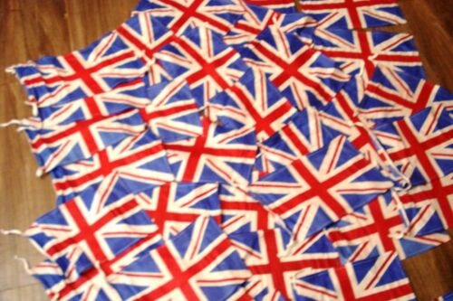Great Britain Flag United Kingdom SMALL Lot of 25 pcs UK Flags 100/% COTTON