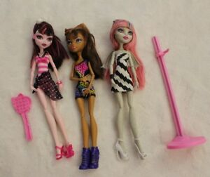 Monster-High-Barbie-Dolls-Lot-of-Three-3-Dolls-Stand-amp-Brush-Clothes-Shoes
