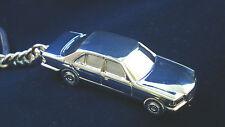 Schlüsselanhänger Mercedes 560SE 560 SE W126 versilbert 5058