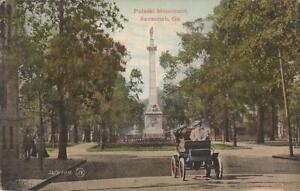 Savannah-GEORGIA-Pulaski-Monument-old-car