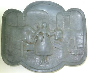 COMICAL-RISQUE-QUALITY-VINTAGE-HEAVY-SET-PEWTER-TRAY-DISH