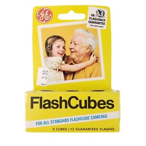Vintage-GE-Flash-Cubes-For-All-Standard-Flashcube-Cameras-3-Cubes-New-Old-Stock