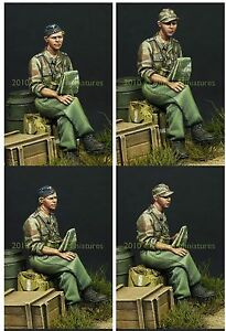 Alpine-Miniatures-1-35-35099-German-Panzer-Officer-in-Summer