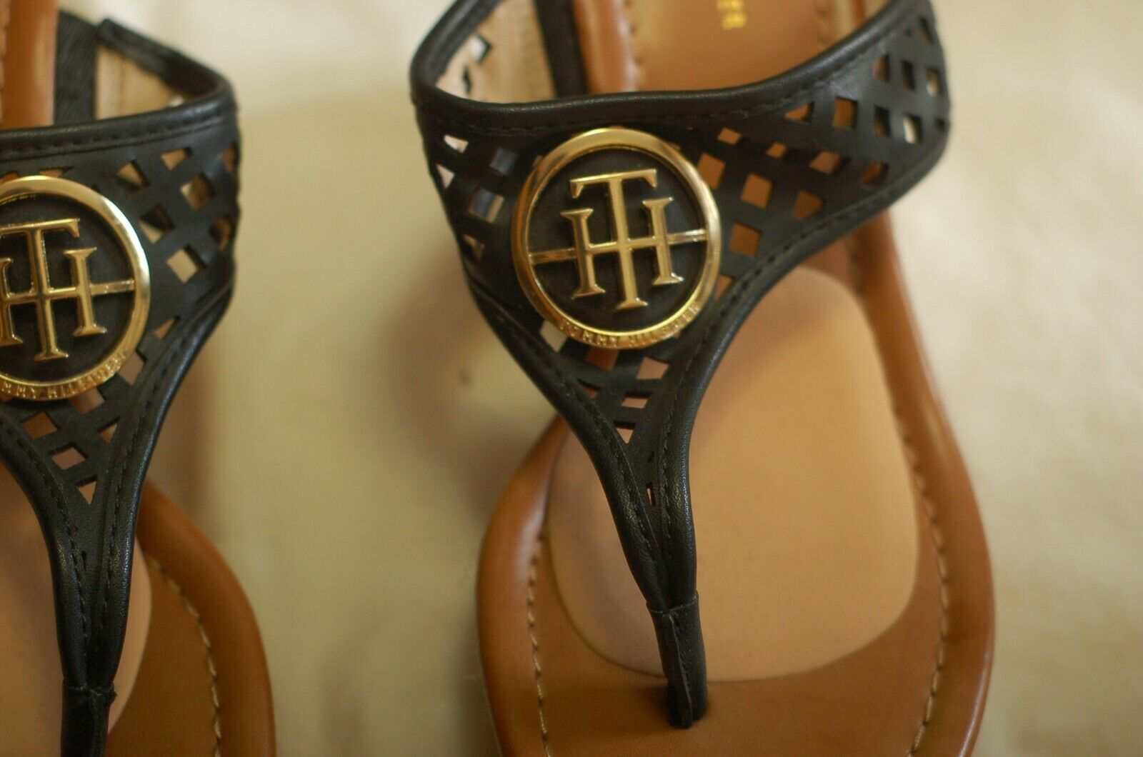 Tommy Hilfiger Black Leather Thong Sandals Cork W… - image 6