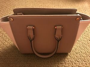 Women-s-H-amp-M-Creme-Handbags-Pre-Owned