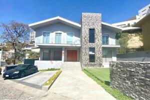 Venta de Casa en Privada La Cascada - Bosque Real $17,950,000.00