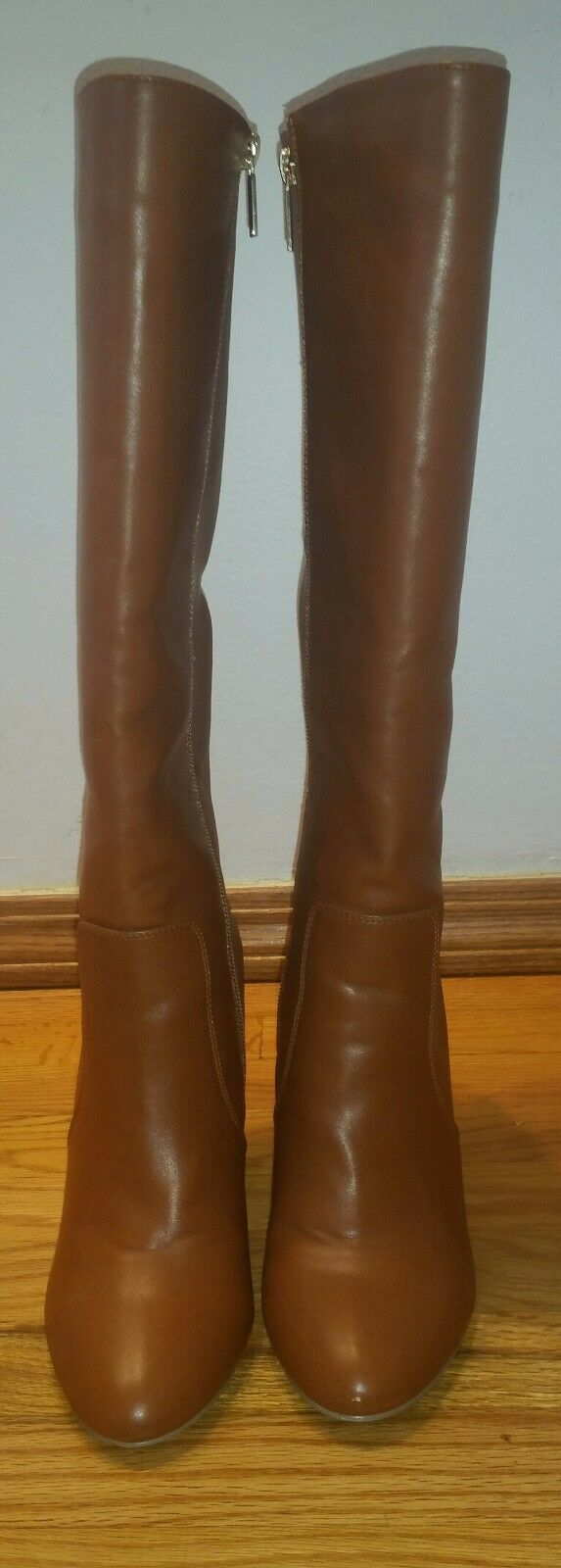 Express   Womens  Knee Boots  Brown  size 8us Fits Like 7.5