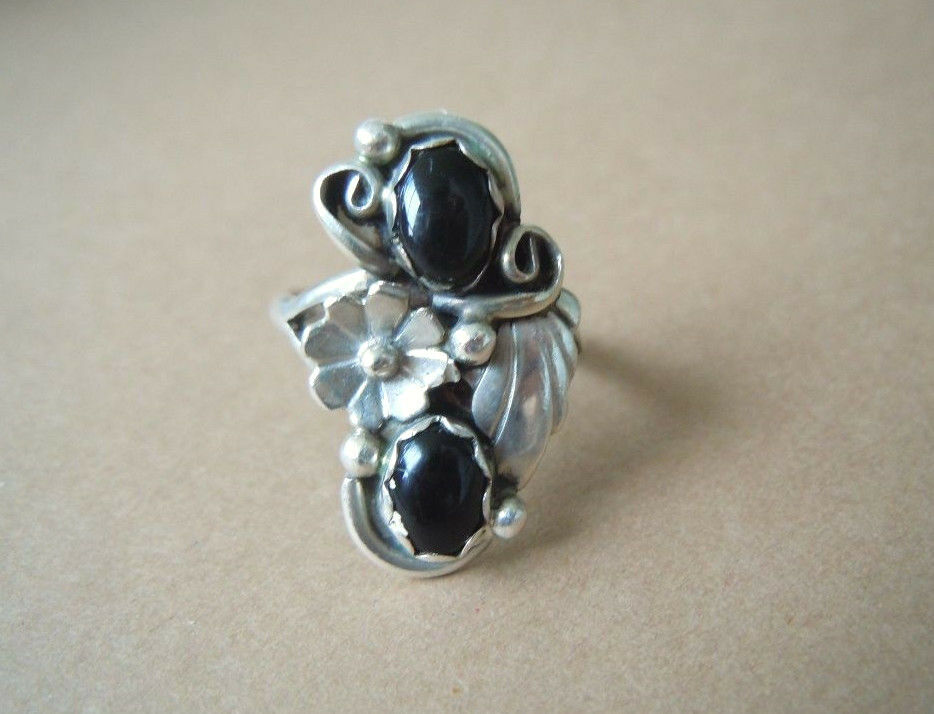 925 Sterling silver Ring Blatt Blüte Dekor 2 x Onyx 4,3 g  RG 53