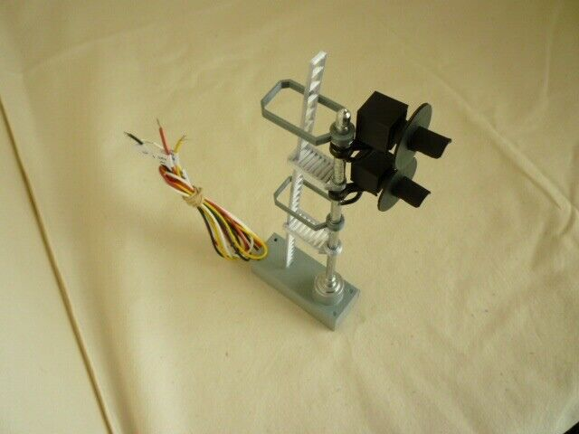 O scale Double Search Light Signal