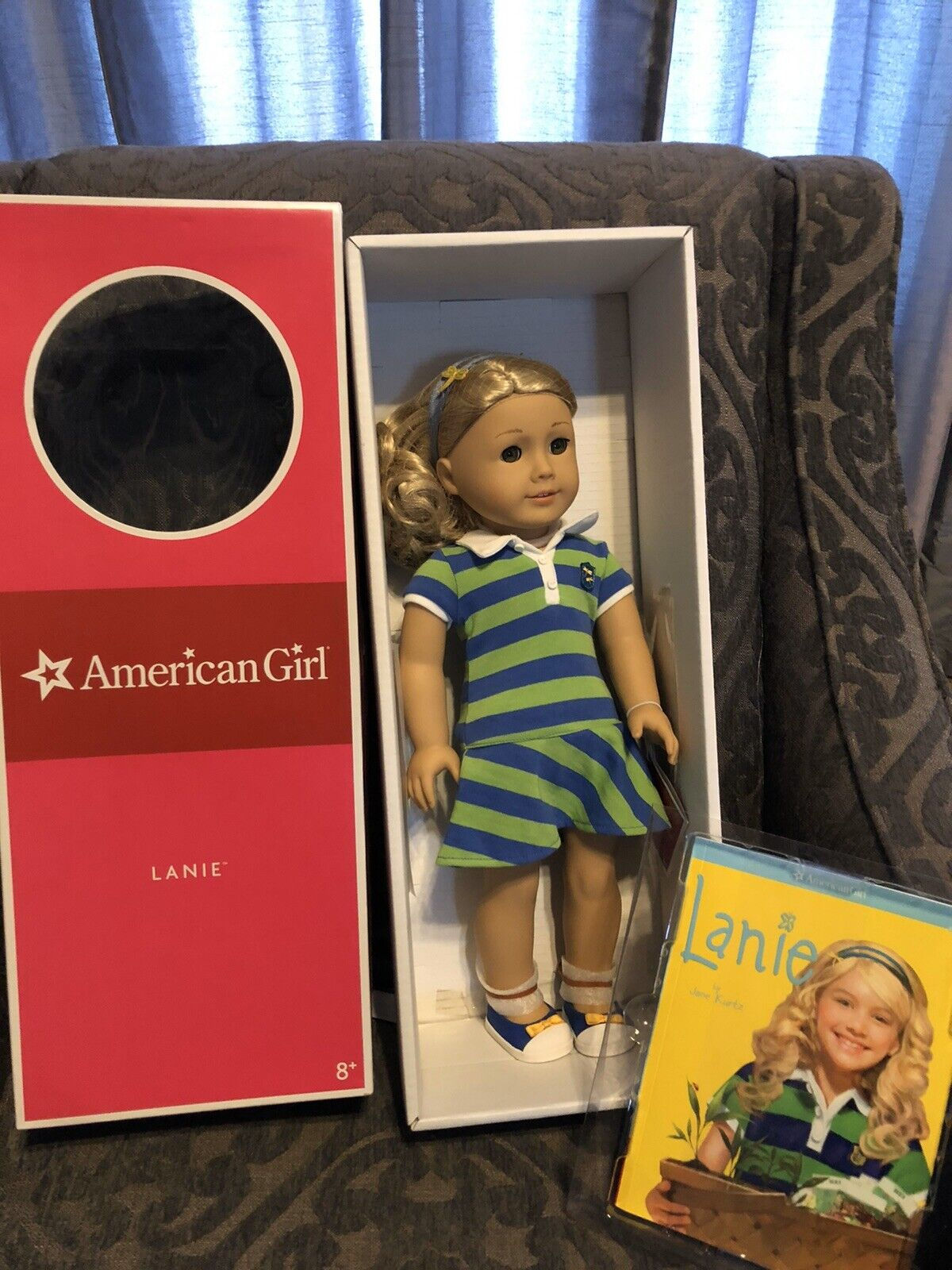 Brand New Lanie American Girl Doll of the Year 2010 with Book
