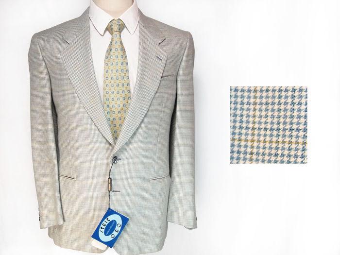 Giorgio Reggiani suit, light bluee silk  wool, 2 button blazer  US 42