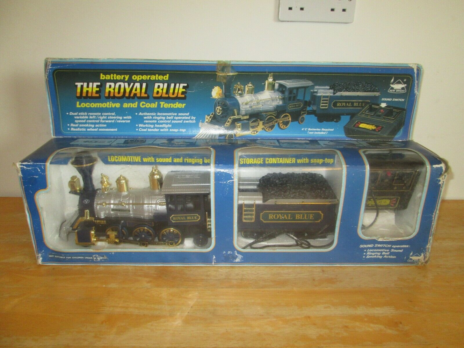 Nuovo  Bright - The Royal blu Battery Operated Locomotive e Coal Tender - Rare  fantastica qualità