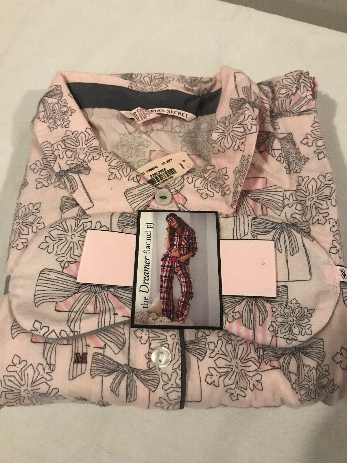 NWT Victoria's Secret Dreamer Snowflake Presents Flannel PJ Shirt Pants M