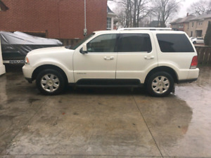 2004 Lincoln Aviator AWD Luxury SUV