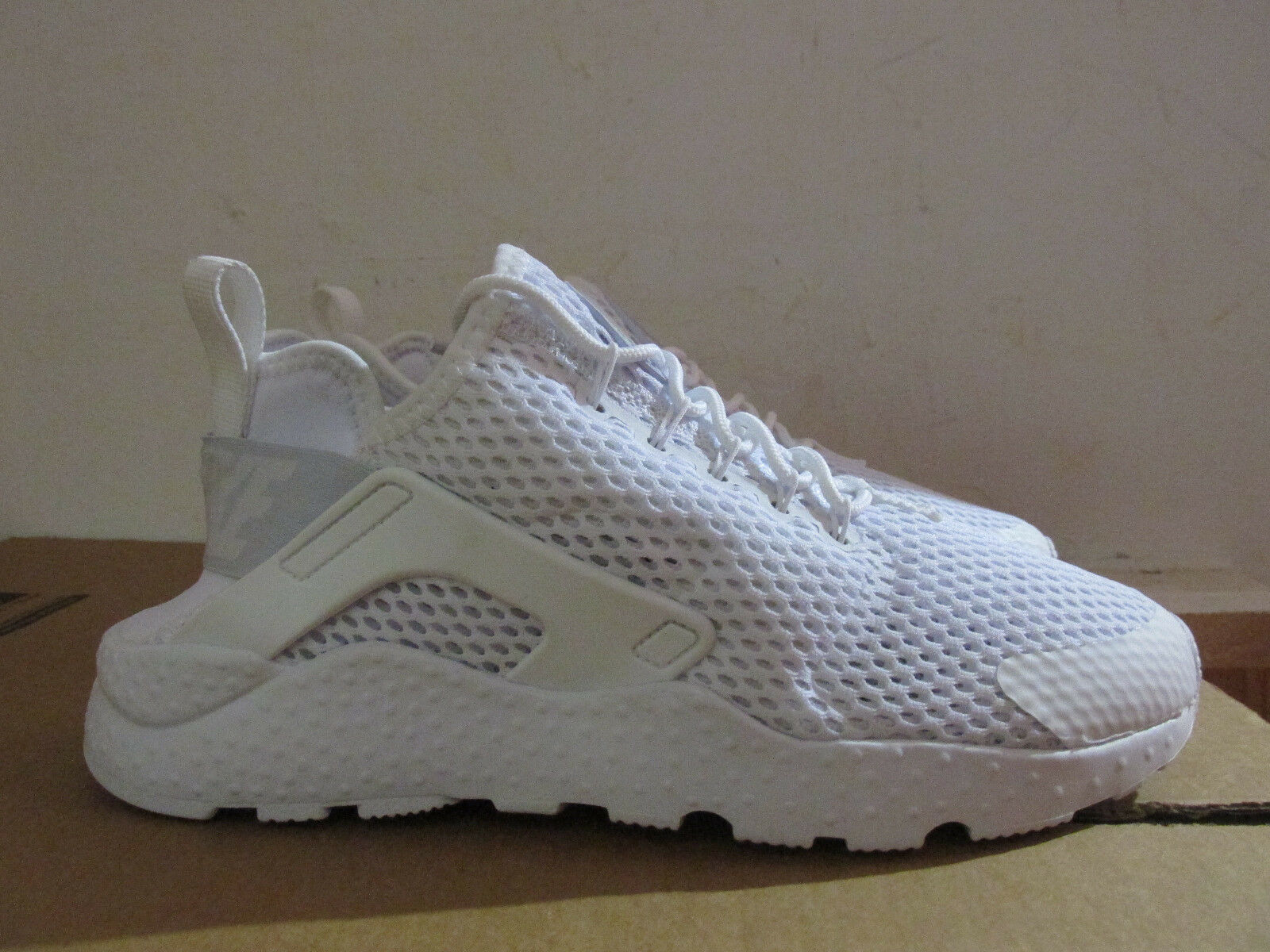 Nike Womens Trainers Huarache Run Ultra BR Trainers Womens 833292 100 Sneakers Shoes CLEARANCE 532a9e