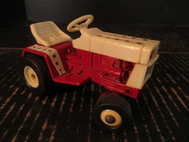 International IH Cub Cadet Lawn &T Garden Tractor Spirit of'76 1 16 Diecast