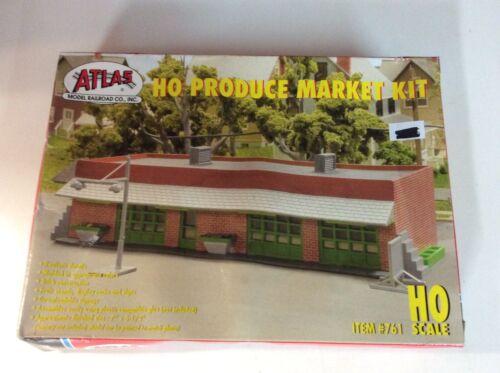 "Atlas #761 HO scale ""Produce Market"" kit"