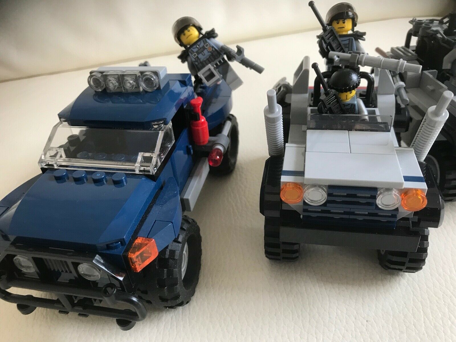 LEGO parts only SPECIAL FORCES 4 minifigures + + + 3 OFF ROAD CARS (6867 & 75926) u1 a6caff