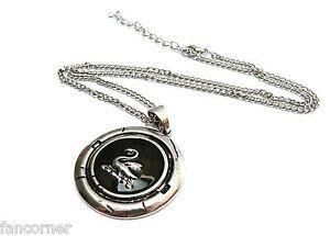 Once-Upon-A-Time-collier-pendentif-cygne-porte-par-Emma-swan-necklace