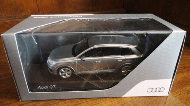 Foil Silver Dealer Model. Audi Q7 1//43 High Quality Spark