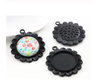 3 X Negro Redondas de cabujón Flor Colgante ajuste ajusta 20mm