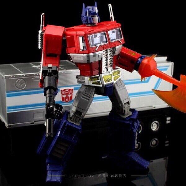 Transformers MP10 Optimus Prime Versión japonesa con compartimento no oficial