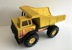 1980s-TONKA-Dump-Truck-Diecast-Turbo-Diesel-Yellow-Pressed-Steel-XMB-975-Tires