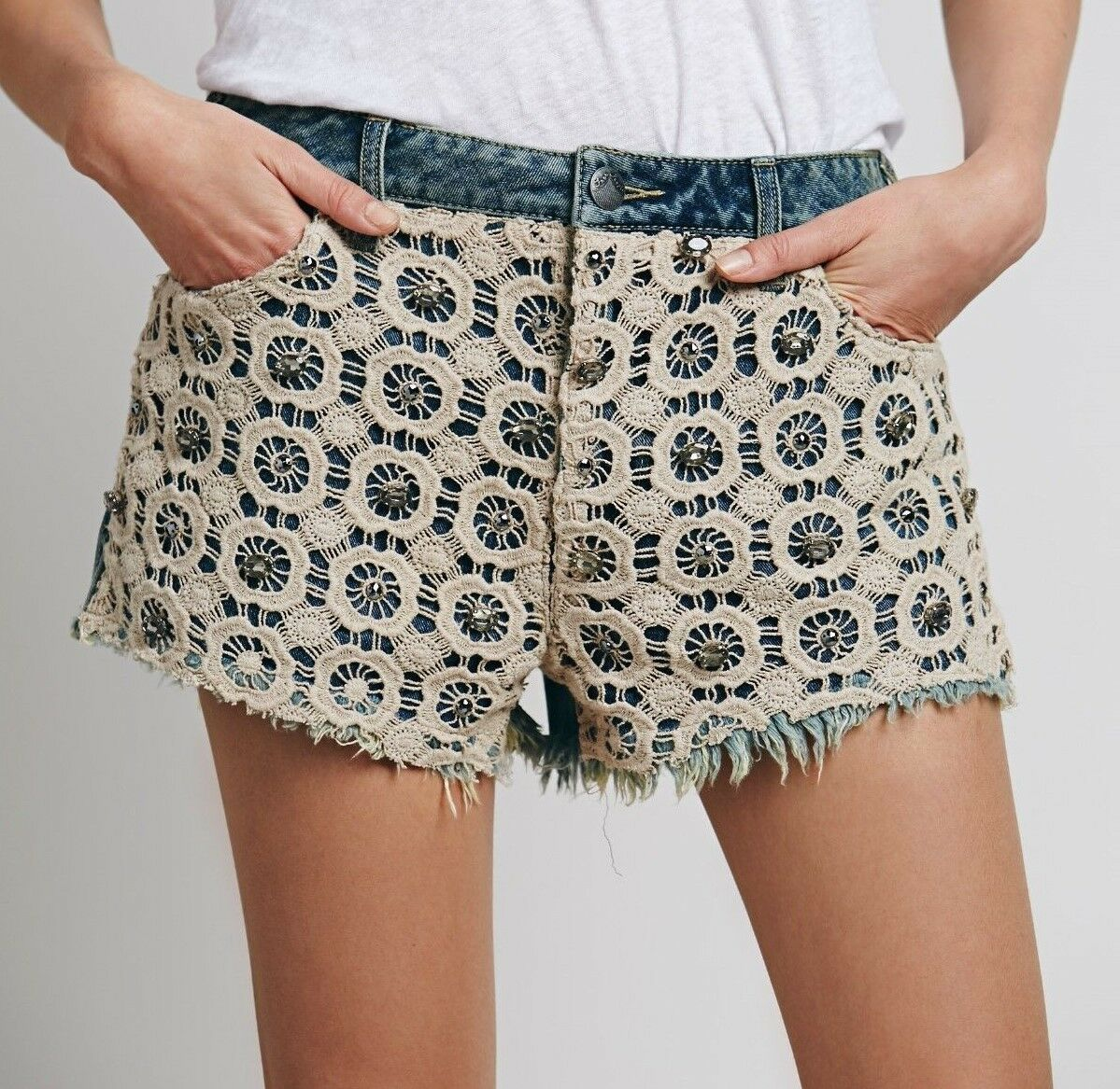 NWT Free People 27 Denim Shorts PANTS Distressed Cut Offs bluee  68 RV Lace Gems