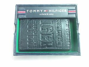 Tommy-Hilfiger-Leather-Trifold-Passcase-Wallet-Embossed-Logo-Black