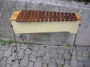 schoenes-Holz-Xylophon-von-Sonor-Xylophone-Percussion-etwas-ueberholungsbeduerftig