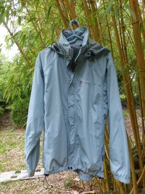 Berghaus Ladies Coat Waterproof Raincoat Light bluee Size 12 Very Good Condition