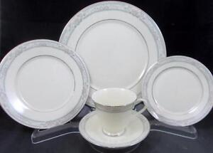 Lenox-CHARLESTON-5-Piece-Place-Setting-MINT-NEVER-USED-A-CONDITION-mfg-2nd