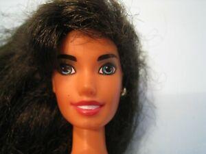 "poupée Mattel personnage Disney ""ESMERALDA"" lot N°321"