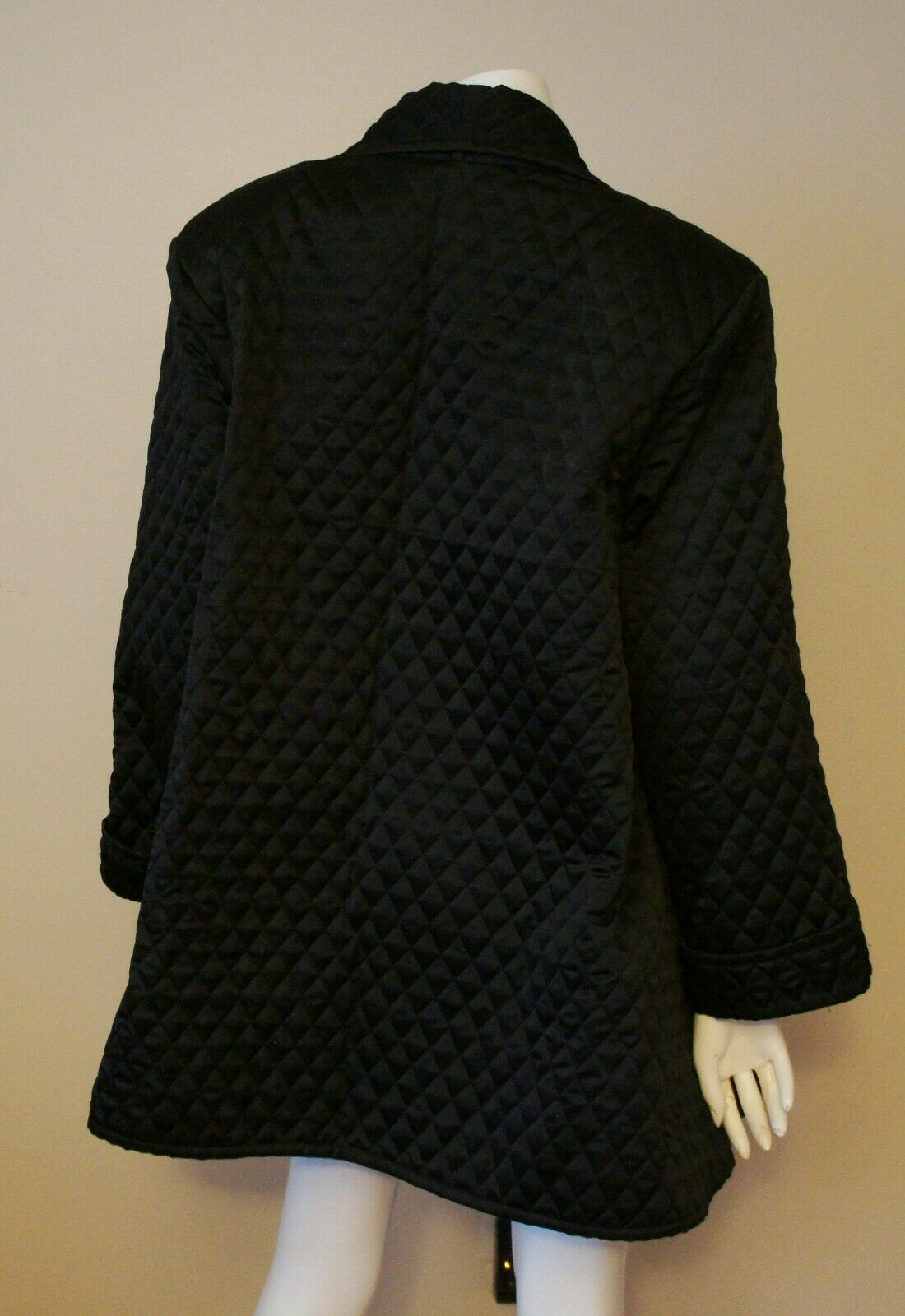 Auth Amen Wardy Black Quilted Open Jacket Sz M - image 3