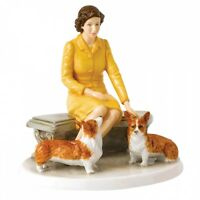 Royal Doulton Her Majesty At Home Hn 5807 Lt Edition Of 2000 Hand Signed Doulton