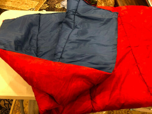 NWOT Red ADULT SIZE SLEEPING BAG CAMPING HUNTING 33 x 84 x 24 W// CARRYING STRAPS