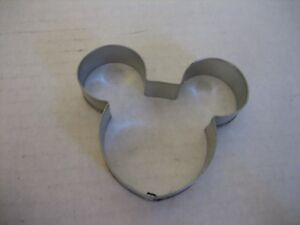 Disney-Mickey-Mouse-Head-Metal-Cookie-Cutter-3in-W-x-2-1-2in-T-Pre-Owned