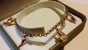FABULOUS-9ct-375-Solid-Yellow-Gold-Egyptian-Theme-Charm-Bracelet-With-5-Charms