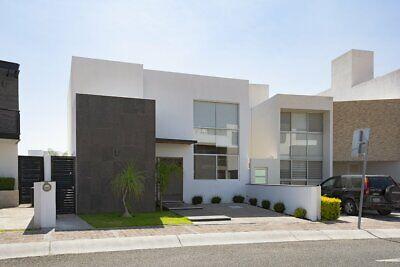 Casa en RENTA, 3 habitaciones con baño, principal planta baja. Juriquilla, Queretaro.
