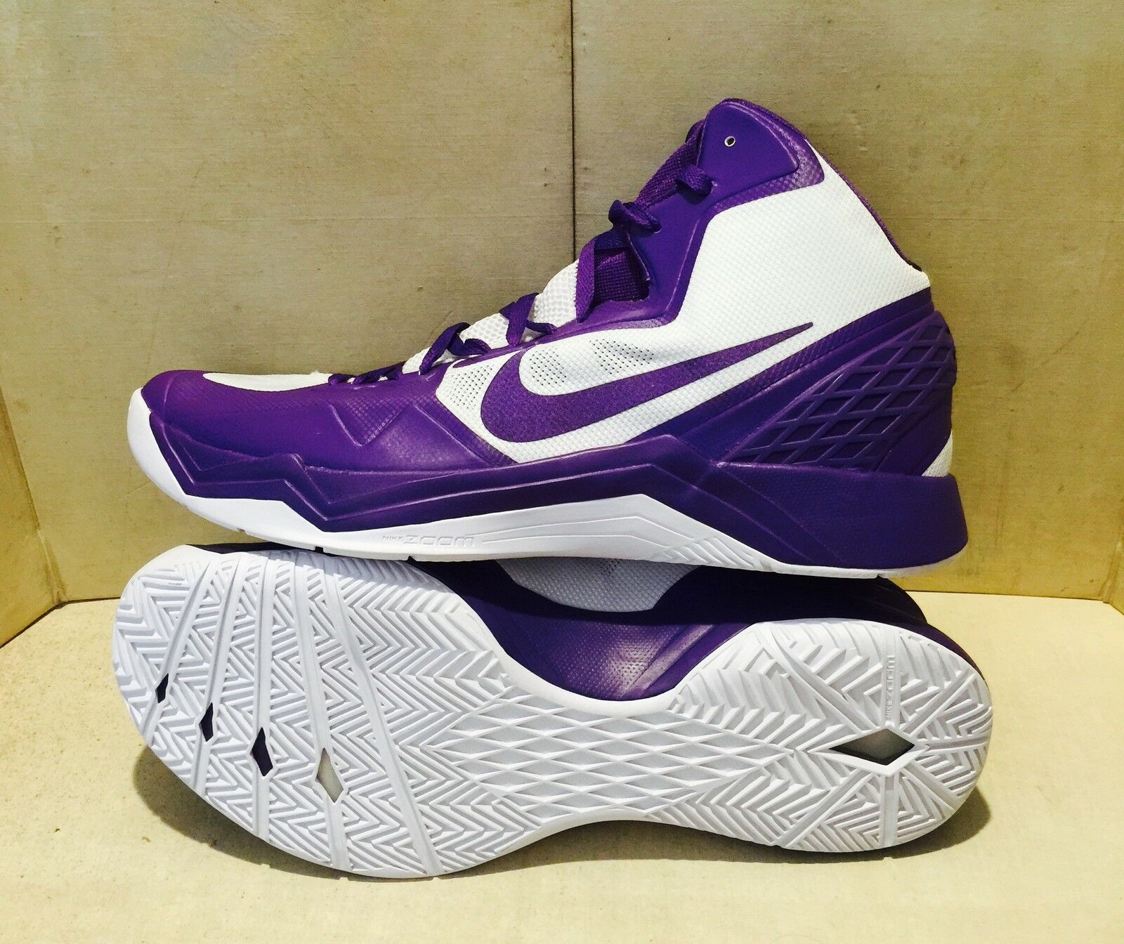 New Nike  Zoom Hyperdisruptor Basketball shoes Sz 17.5  Purple White 548180-107