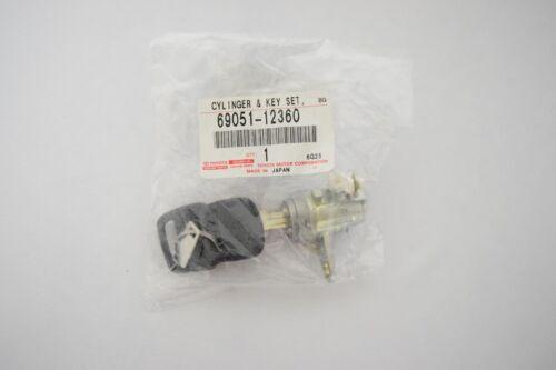 Genuine Toyota Corolla Geo Prizm Door Lock Cylinder Tumbler Set 6905112360