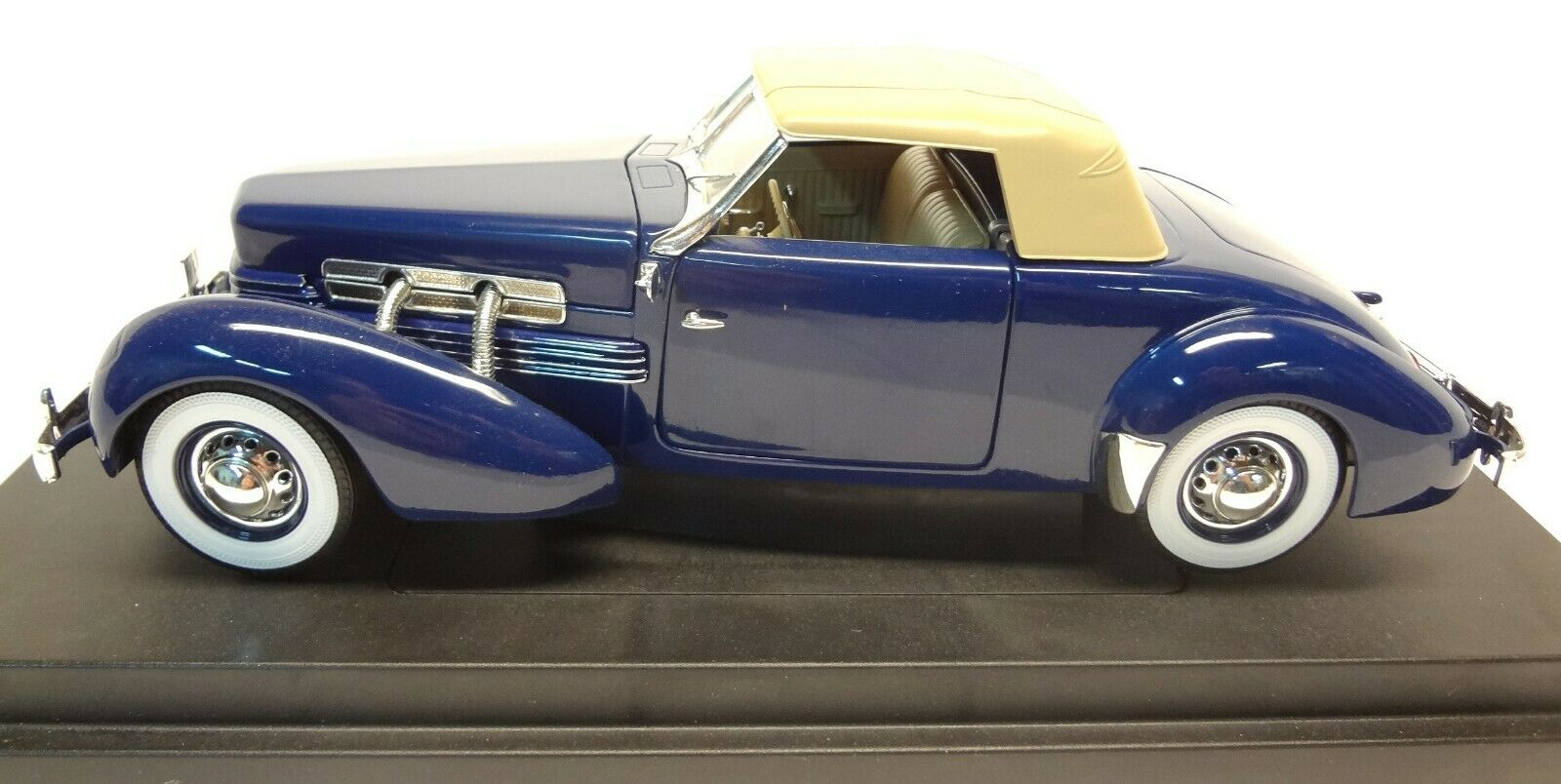 1937 Cord 812 Sportman 1 18th & 1 64th scale die cast Ertl Ltd Edition - E L EL