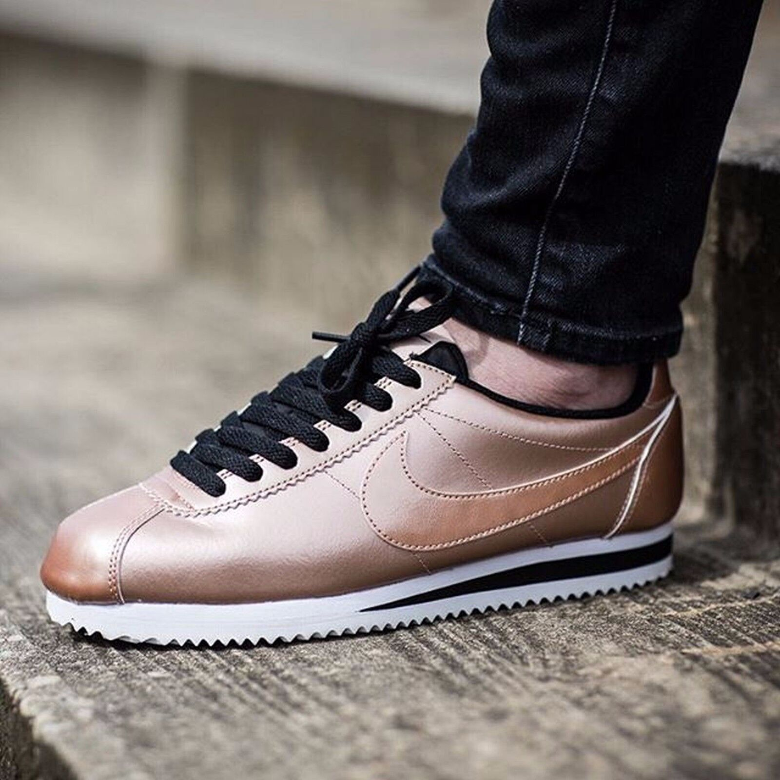 Nike Cortez Classic Leather Metallic Bronze Womens Shoes Size 9.5