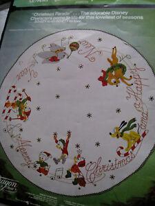 Paragon FELT Applique TREE SKIRT Kit,CHRISTMAS PARADE ...
