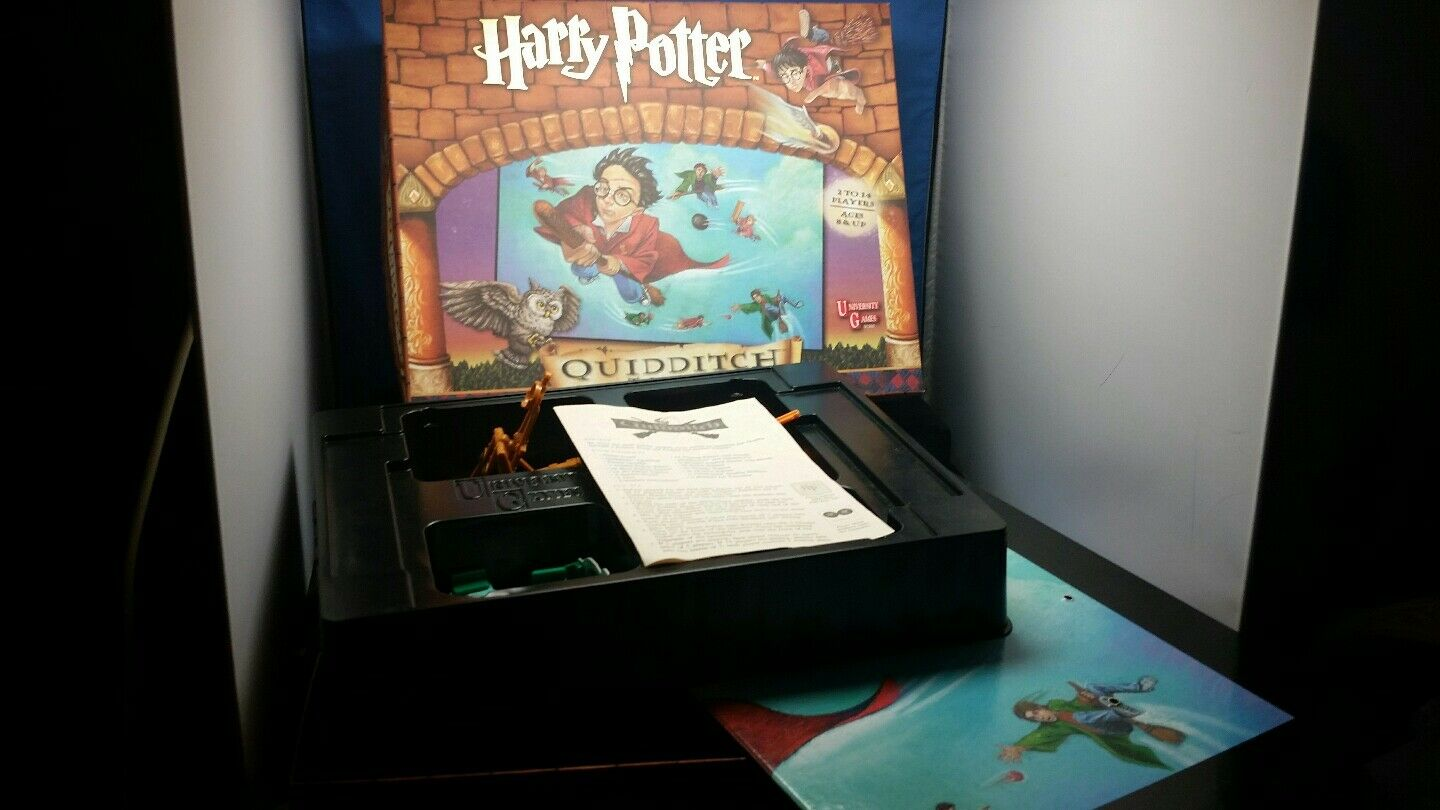 HARRY POTTER HUGE HUGE HUGE LOT..4 GAMES AND BONUS FIGURINE 4fae28