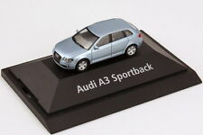 1:87 Audi A3 Sportback 8PA liquidblau blau - Dealer-Edition - herpa 5010403032