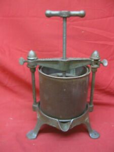 Rarer-Antique-Griswold-Cast-Iron-Fruit-and-Lard-Press-No-1-2-Quart-Size